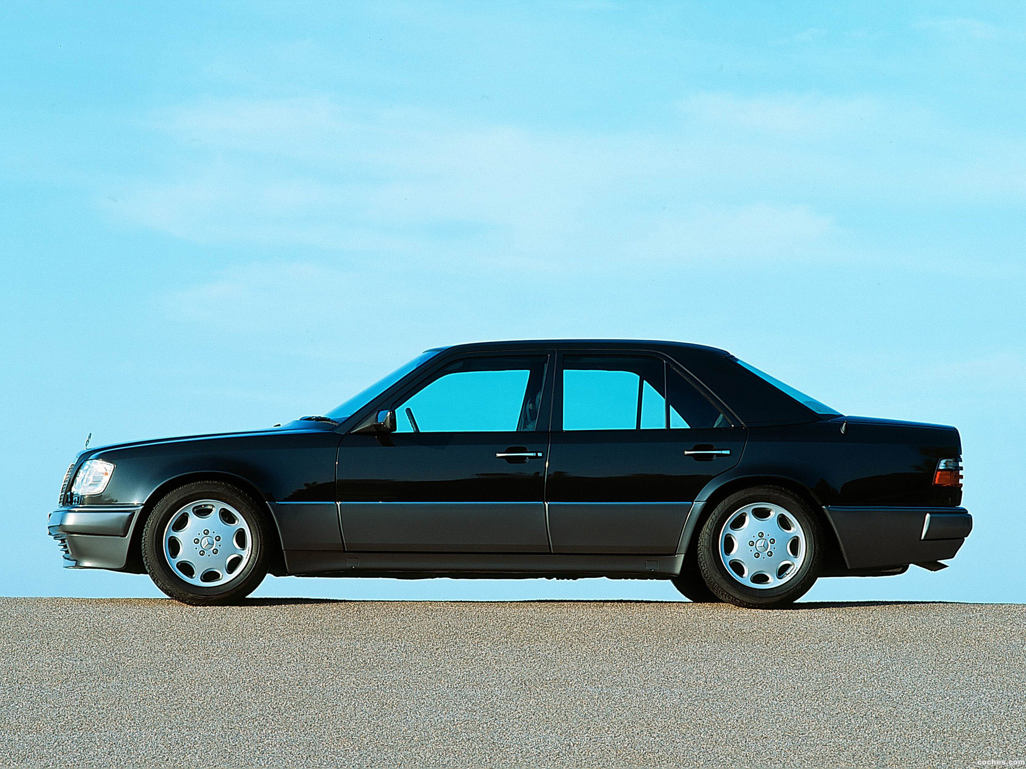 Foto 2 de Mercedes Clase E E500 W124 1993