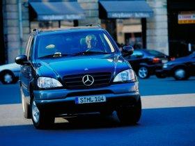 Ver foto 9 de Mercedes Clase M ML 1997