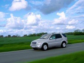 Ver foto 3 de Mercedes Clase M ML Facelift 2002