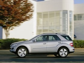 Ver foto 2 de Mercedes Clase M ML Facelift 2008
