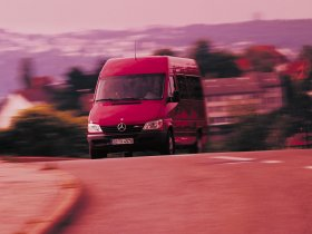 Ver foto 4 de Mercedes Sprinter 2000