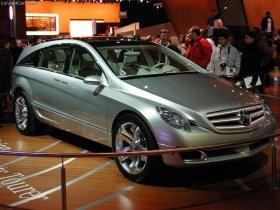Ver foto 2 de Mercedes Vision GST Concept 2002