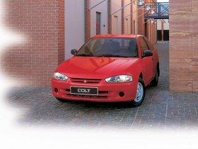 Ver foto 4 de Mitsubishi Colt 3 puertas 1996