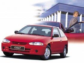 Ver foto 3 de Mitsubishi Colt 3 puertas 1996