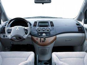 Ver foto 20 de Mitsubishi Grandis 2003