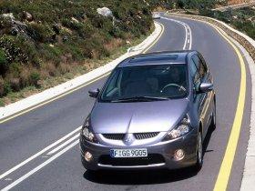 Ver foto 1 de Mitsubishi Grandis 2003