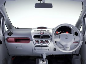 Ver foto 9 de Mitsubishi I 2006
