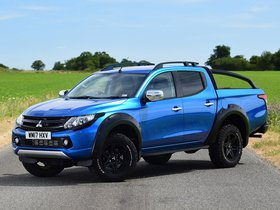 Fotos de Mitsubishi L200 Barbarian SVP Double Cab UK 2017