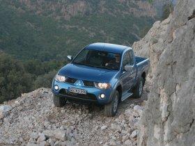Ver foto 3 de Mitsubishi L200 Club Cab 2006