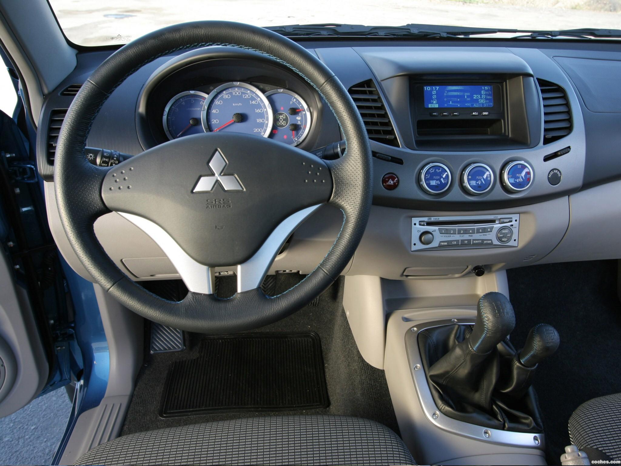 Foto 8 de Mitsubishi L200 Double Cab 2006