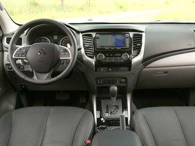 Ver foto 30 de Mitsubishi L200 Double Cab 2015