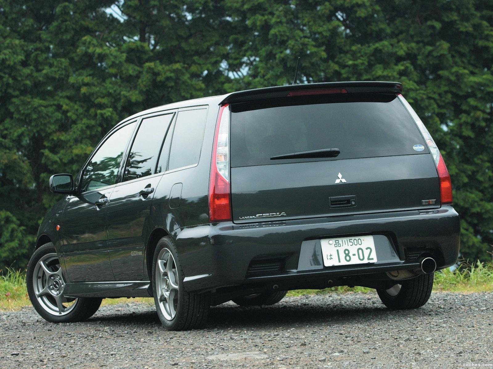 Foto 1 de Mitsubishi Lancer Cedia Wagon Ralliart 2000