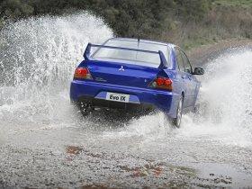 Ver foto 9 de Mitsubishi Lancer Evolution IX 2005