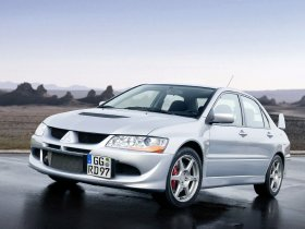 Ver foto 2 de Mitsubishi Lancer Evolution VIII 2003