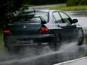 Ver foto 5 de Mitsubishi Lancer Evolution VIII MR 2004
