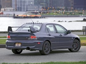 Ver foto 18 de Mitsubishi Lancer Evolution VIII MR 2004
