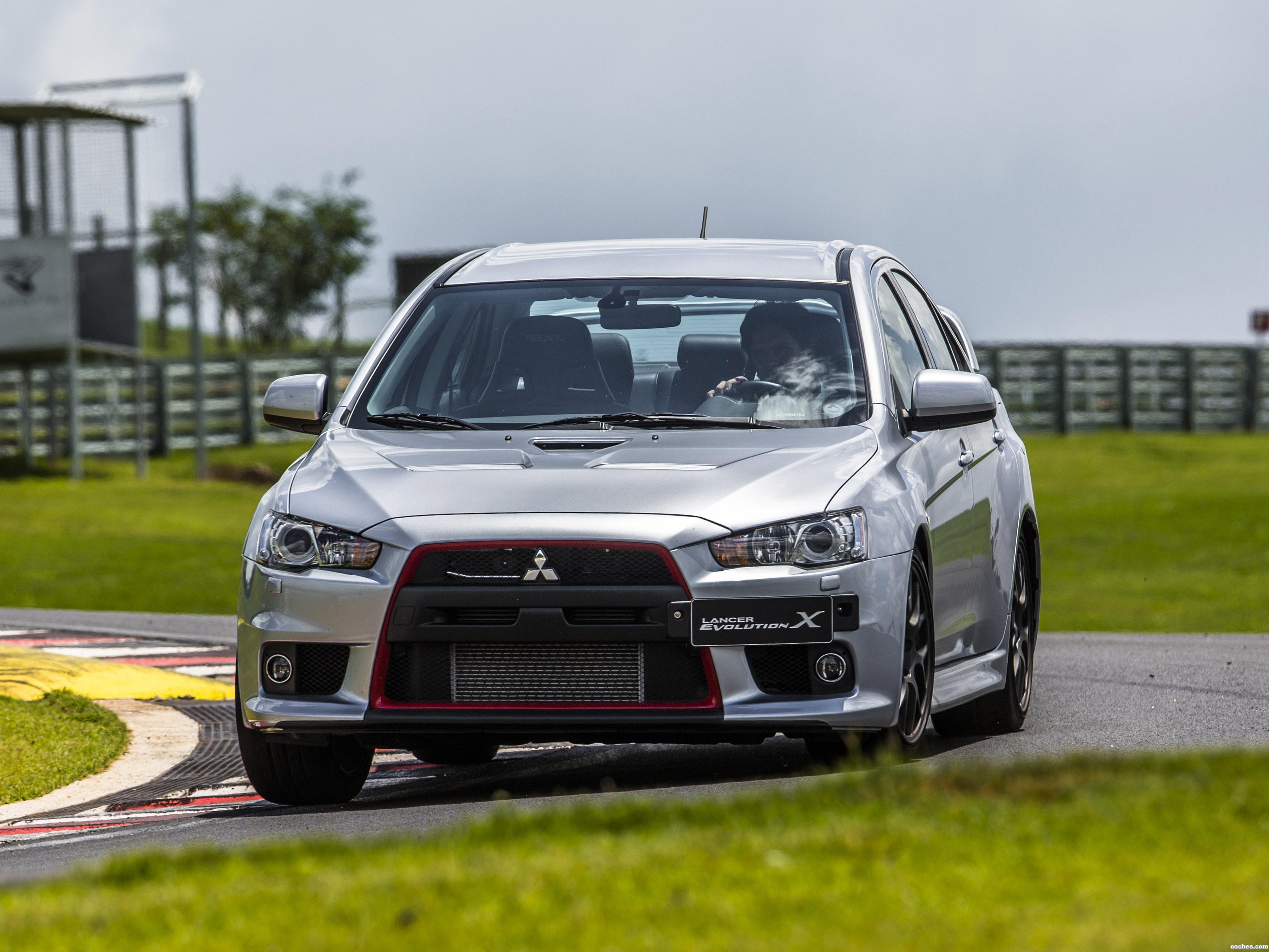 Foto 0 de Mitsubishi Lancer Evolution X John Easton 2014