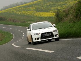 Ver foto 13 de Mitsubishi Lancer Sportback Ralliart UK 2009