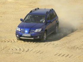 Ver foto 3 de Mitsubishi Outlander Dakar Edition 2005