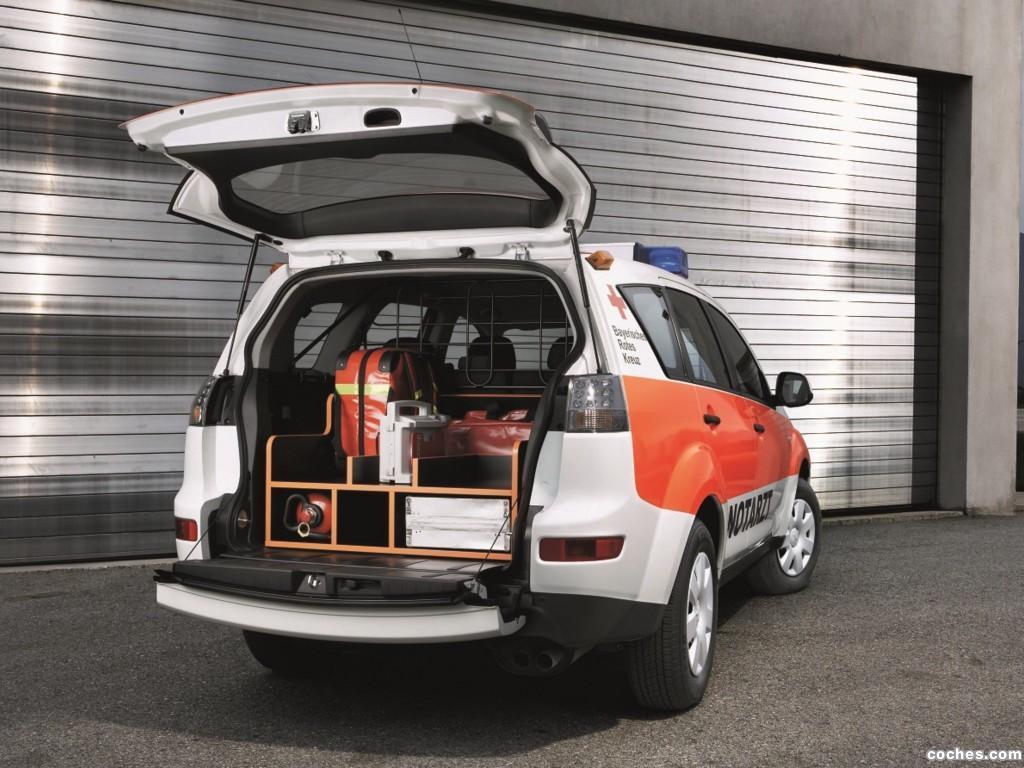 Foto 1 de Mitsubishi Outlander emergencias 2008