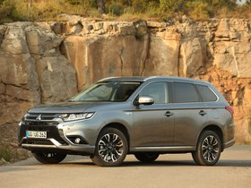 Ver foto 23 de Mitsubishi Outlander PHEV 2015