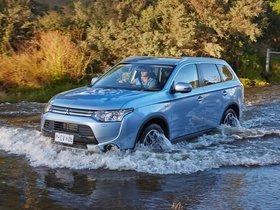Ver foto 2 de Mitsubishi Outlander PHEV Australia 2014