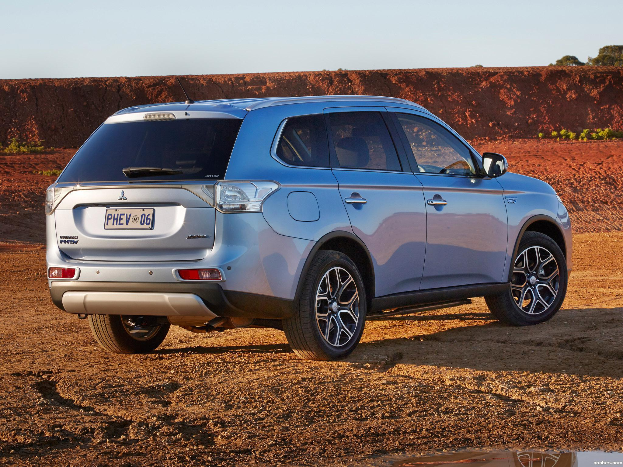 Foto 6 de Mitsubishi Outlander PHEV Australia 2014