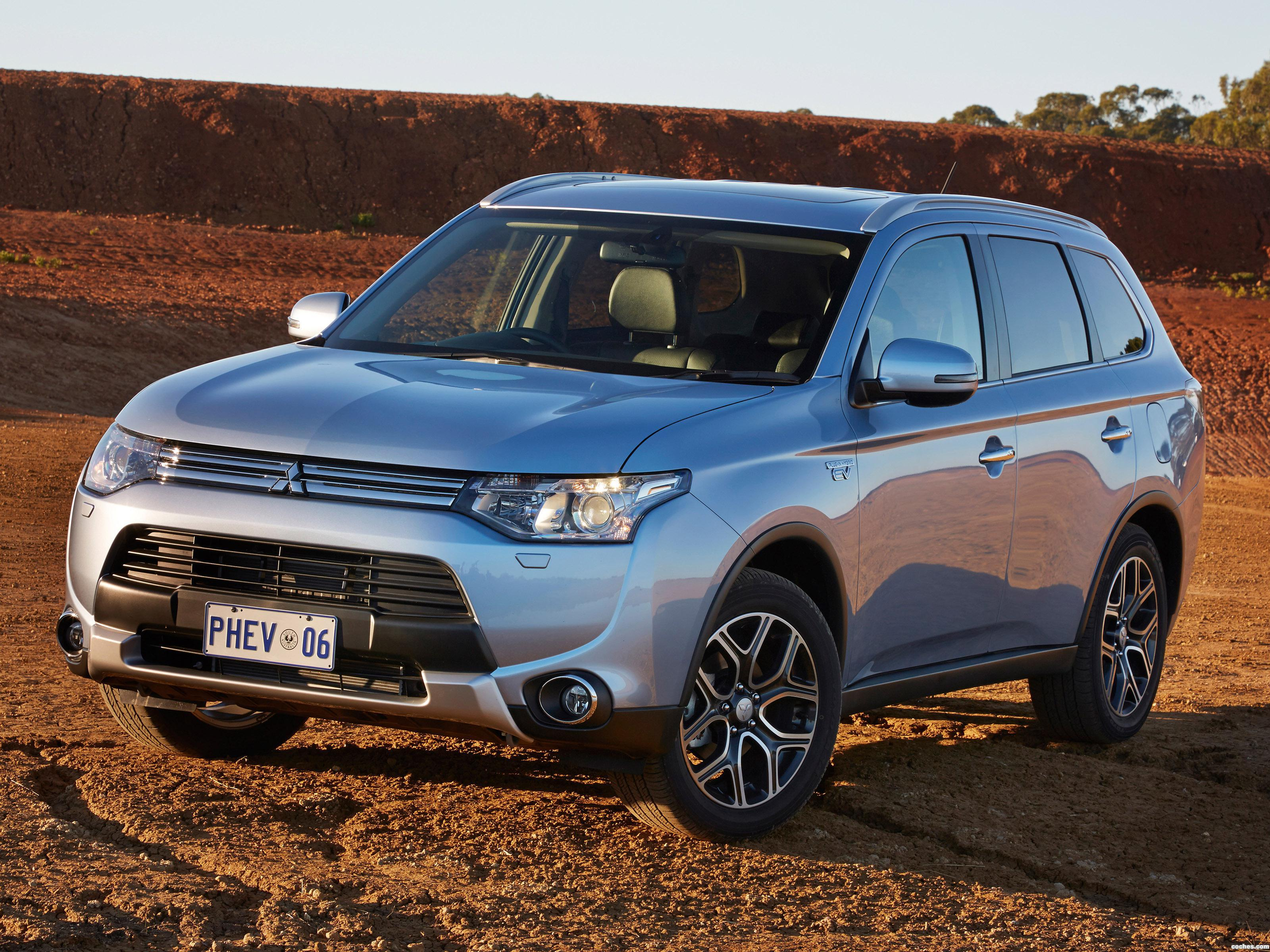 Foto 0 de Mitsubishi Outlander PHEV Australia 2014