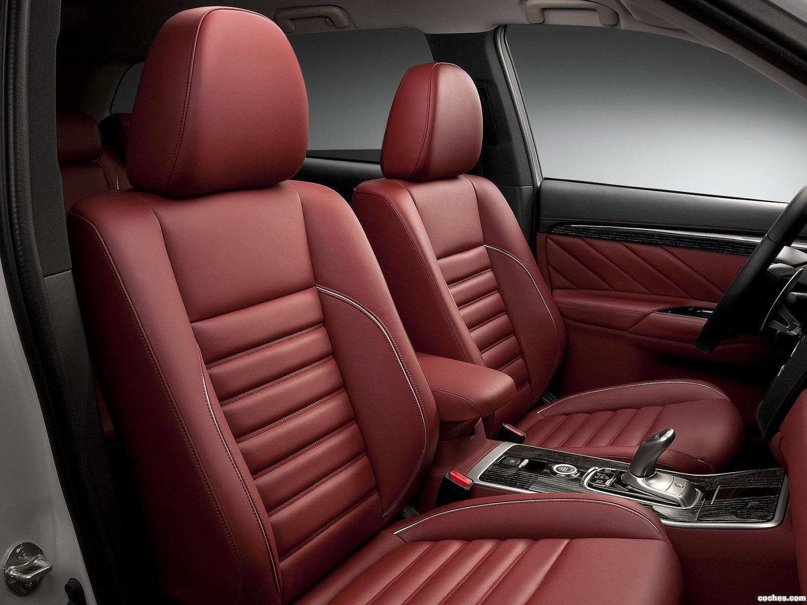 Foto 19 de Mitsubishi Outlander PHEV Concept S 2014