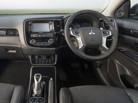 Ver foto 25 de Mitsubishi Outlander PHEV Juro 2016