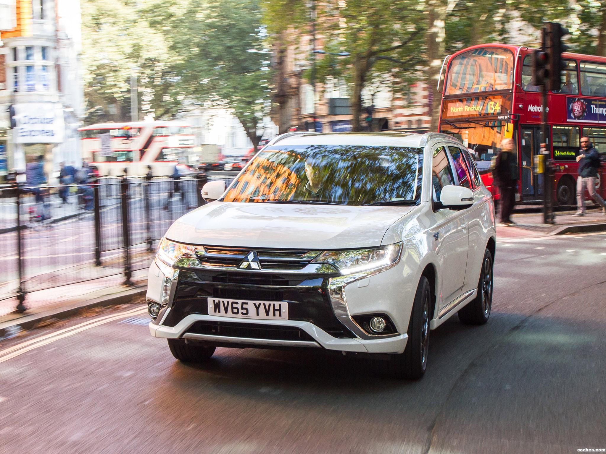 Foto 5 de Mitsubishi Outlander PHEV UK 2016