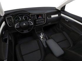 Ver foto 38 de Mitsubishi Outlander PHEV 2013