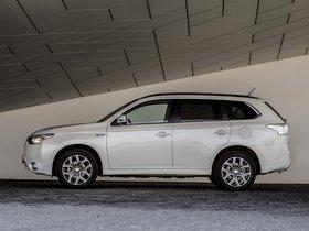Ver foto 17 de Mitsubishi Outlander PHEV 2013