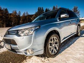 Ver foto 13 de Mitsubishi Outlander PHEV 2013