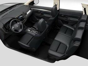 Ver foto 37 de Mitsubishi Outlander PHEV 2013