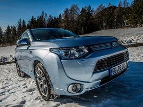 Fotos de Mitsubishi Outlander PHEV 2013