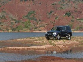Ver foto 3 de Mitsubishi Pajero 3 door 2007