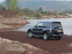 Ver foto 2 de Mitsubishi Pajero 3 door 2007
