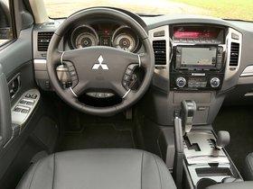 Ver foto 30 de Mitsubishi Pajero 5 puertas 2014