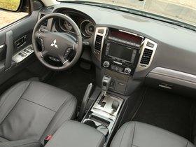 Ver foto 27 de Mitsubishi Pajero 5 puertas 2014