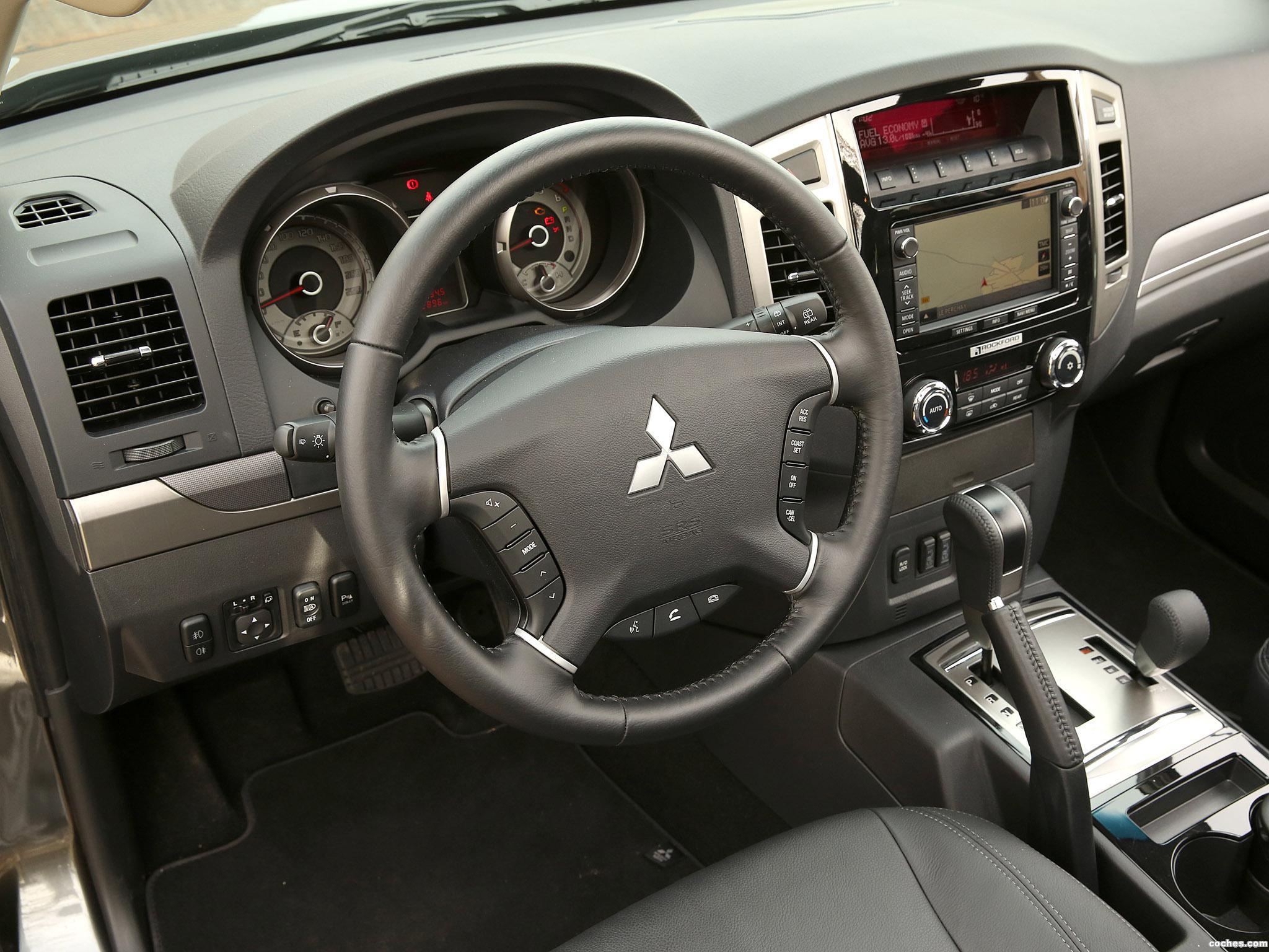 Foto 27 de Mitsubishi Pajero 5 puertas 2014