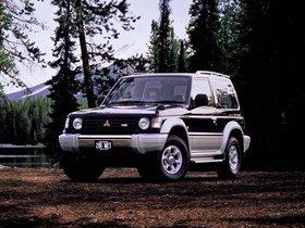 Ver foto 1 de Mitsubishi Pajero Metal Top Japon 1991