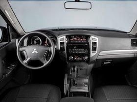 Ver foto 10 de Mitsubishi Pajero Van 2017