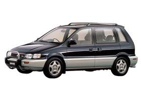 Ver foto 1 de Mitsubishi RVR N10W 1991