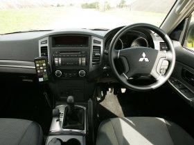 Ver foto 8 de Mitsubishi Shogun UK Police 2008