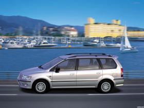 Ver foto 10 de Mitsubishi Space Wagon 1997