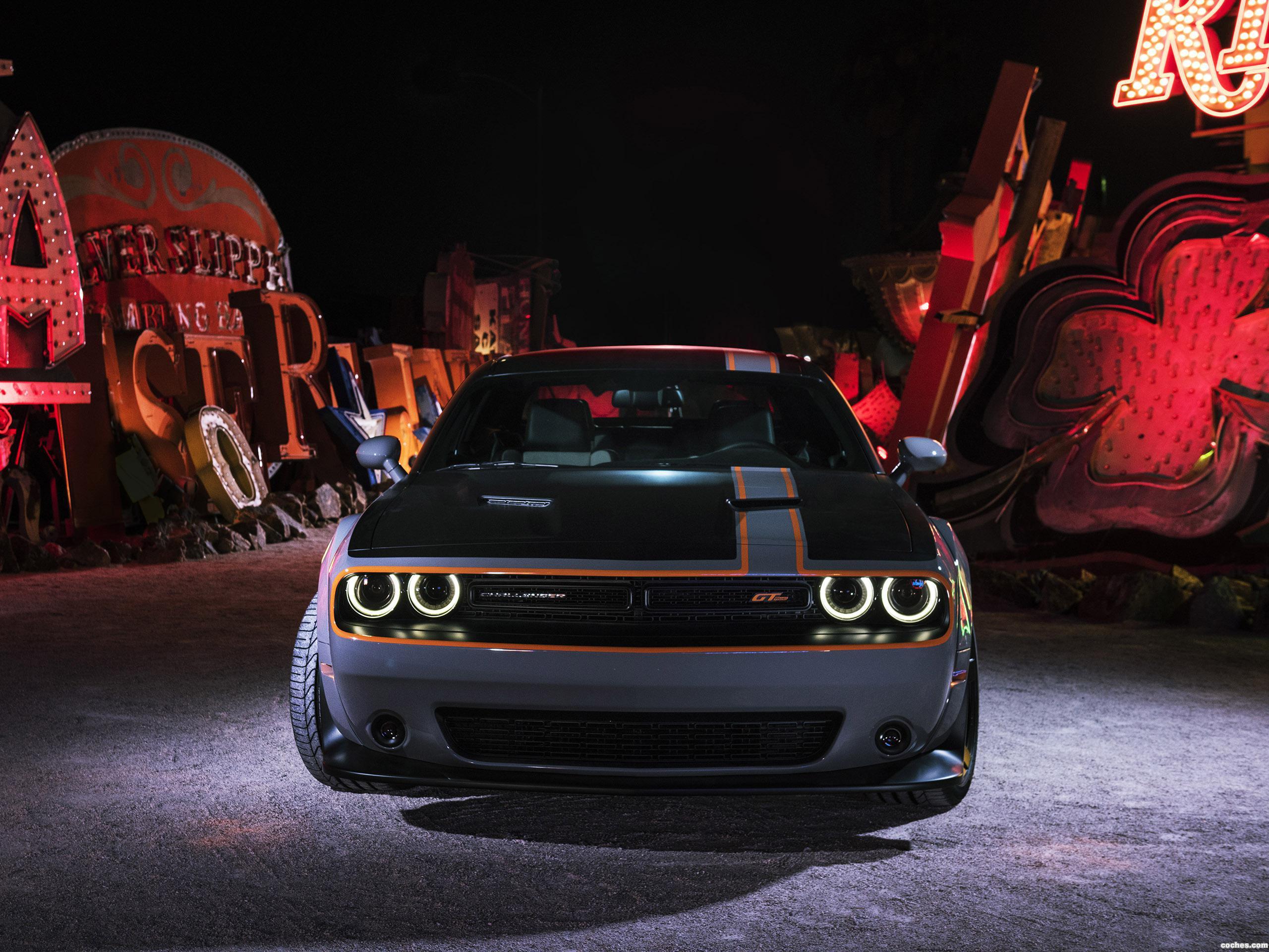 Foto 0 de Mopar Dodge Challenger GT AWD Concept 2015