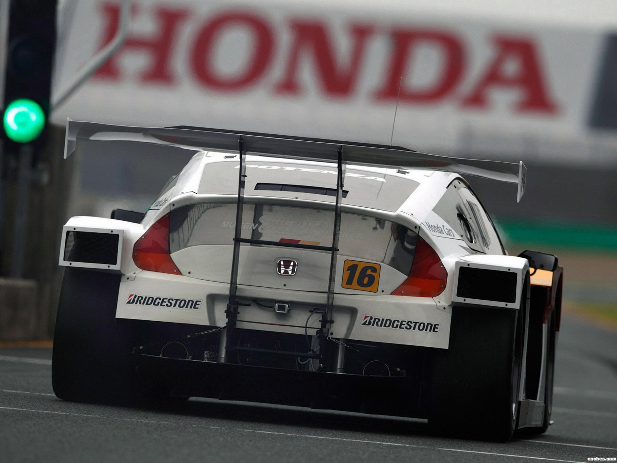 Foto 3 de Mugen Honda CR-Z GT300 ZF1 2012