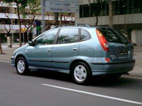Ver foto 25 de Nissan Almera Tino 2000