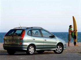 Ver foto 13 de Nissan Almera Tino 2000